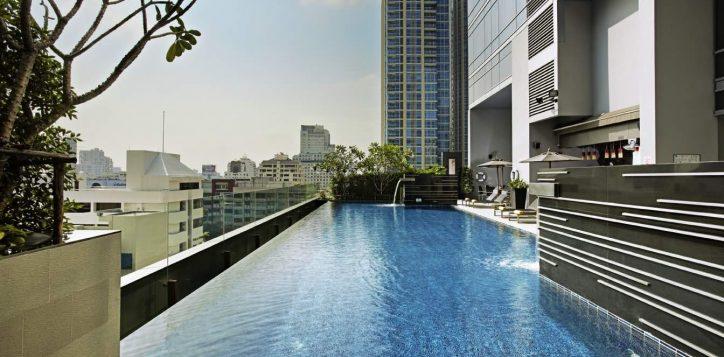 novotel-bangkok-ploenchit-sukhumvit-pool-2-2