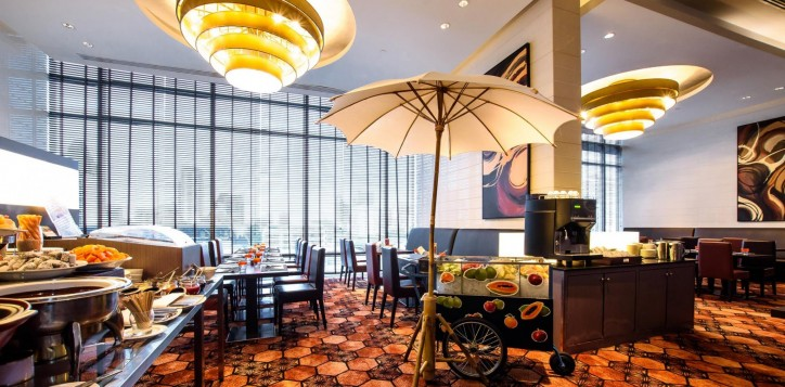 bar-and-restaurant-novotel-bangkok-ploenchit-sukhumvit-2-2