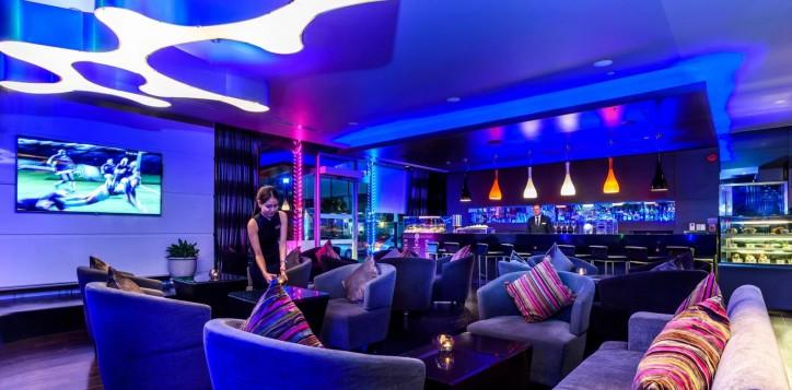 dee-lounge-novotel-bangkok-ploenchit-sukhumvit-2-2