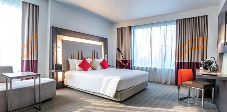 junior-suite-novotel-bangkok-ploenchit-sukhumvit-1-2