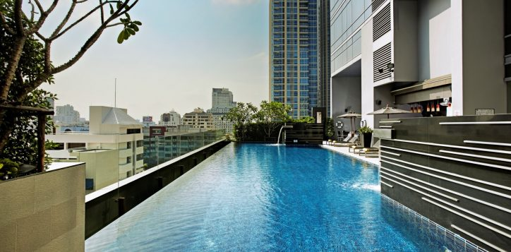 bangkok-hotel-with-swimming-pool-2